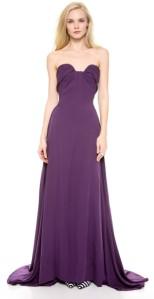 tampil cantik dengan gaun ungu