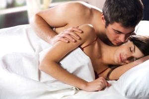 pasangan romantis