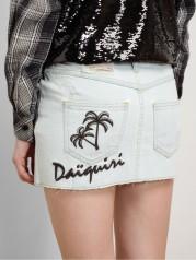 season in denim miniskirt