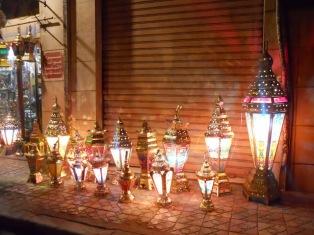 tradisi ramadhan di mesir-lampu fanus