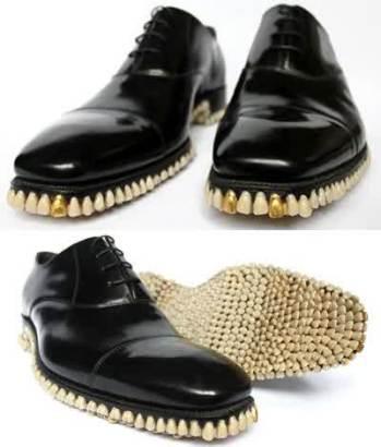 sepatu unik 10