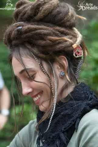aksesoris rambut wanita