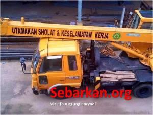utamakan sholat dan keselamatan kerja