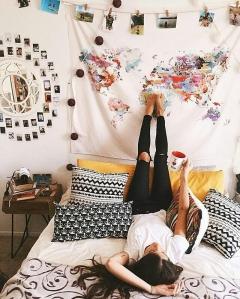 Tips menata furniture kamar tidur