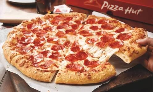 Pizza hut pakai bahan kadaluwarsa