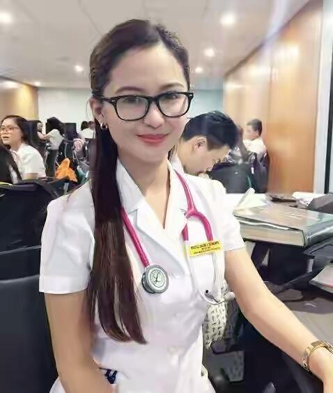 Dokter sunat seksi