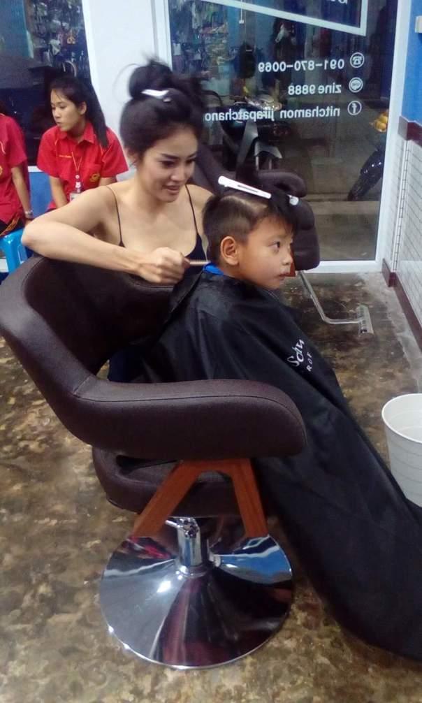 Tukang cukur seksi