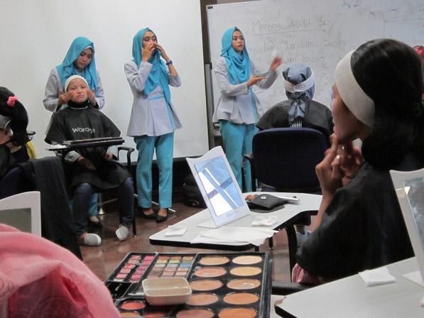 Beauty class dari Wardah untuk pengguna yamaha Fino
