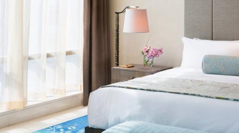 Salah satu sudut hotel kamar Raffles