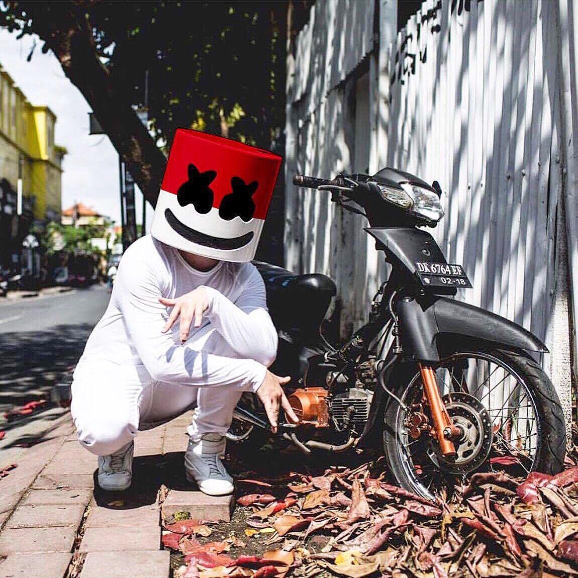 Download Lagu Happier Marshmello Laguaz: Wow, DJ Marshmello Ikut Rayakan Dirgahayu Indonesia Ke-72